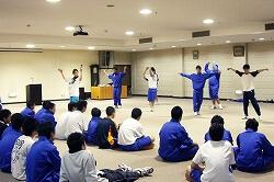 小学校・中学校のダンスレッスン講師1