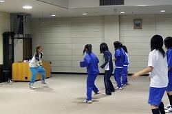 小学校・中学校のダンスレッスン講師2